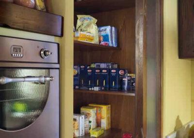 Dispensa per cucina rustica