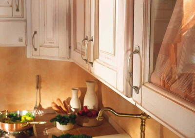 Mobili pensili per cucina in legno