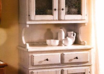 Credenza per cucina in legno bianco