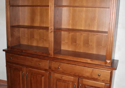 Credenza in legno massello su misura