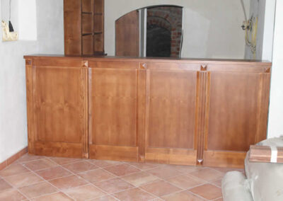 Mobile in legno massello artigianale