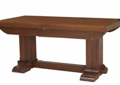 Tavolo lavorato artigianalmente in legno di castagno