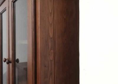 Credenza artigianale in legno massello di castagno