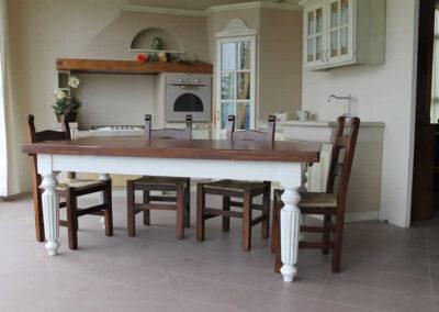 Tavolo M93 in legno massello di castagno lavorato artigianalmente