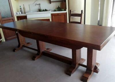 Tavolo in legno massello artigianale