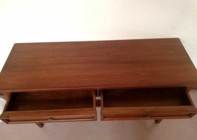Mobiletto in legno massello su misura